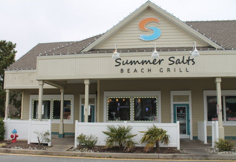 Summer Salts Beach Grill Front Of Building
